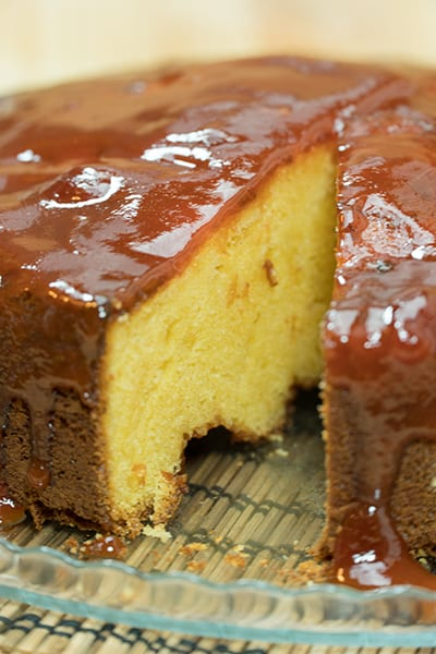 Brazilian cornmeal cake with guava jelly