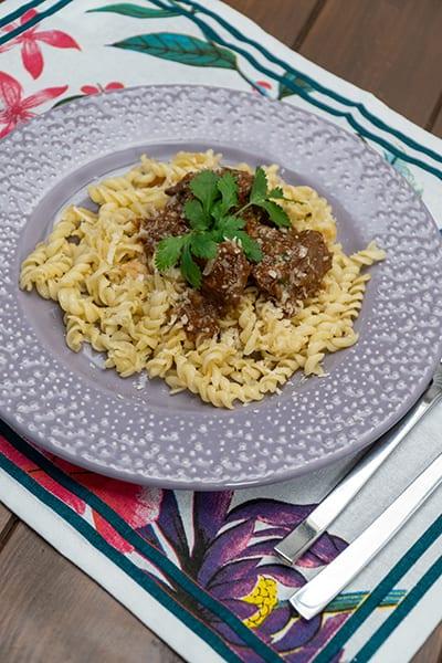 Ragu de carne com macarrão